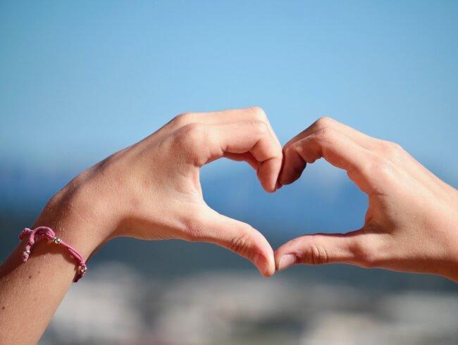 Aimer- le commandement de l'amour