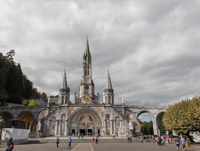 Lourdes  :  e-pèlerinage mondial