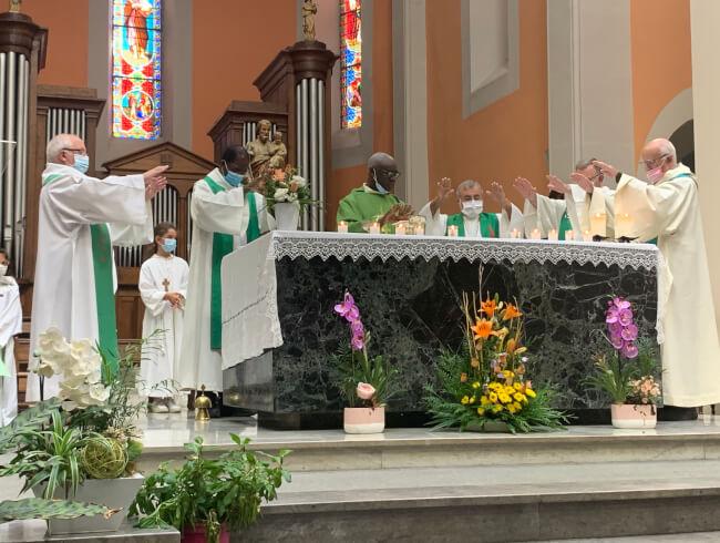 Messe d'au revoir au Pere Blaise Martin